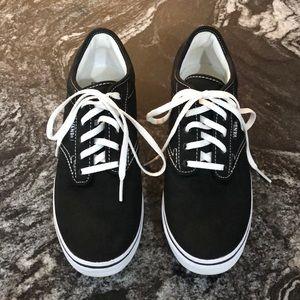 Vans Atwood Low Top Sneaker